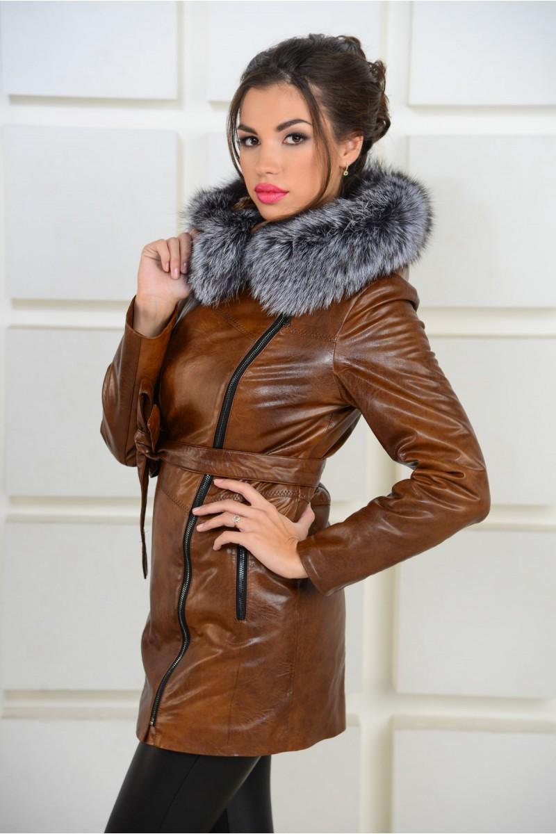 Утеплённая куртка из эко-кожи с капюшоном