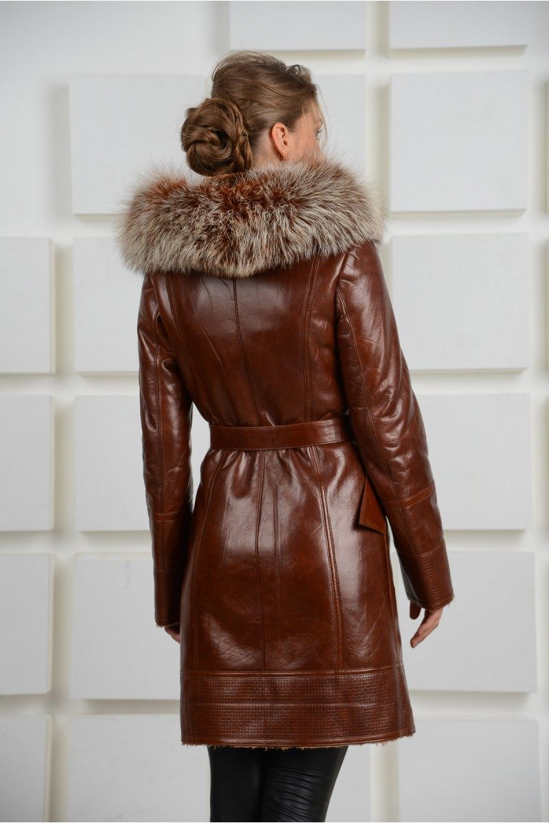 Модная дубленка с капюшоном из чернобудки.Модель 2014