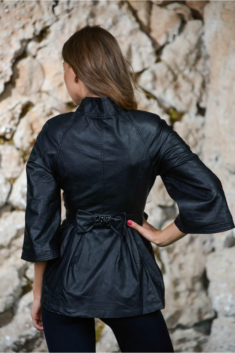Чёрная куртка с баской