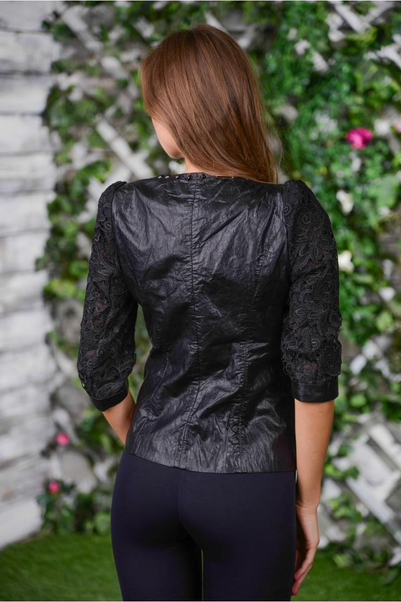 Чёрный пиджак с кружевом