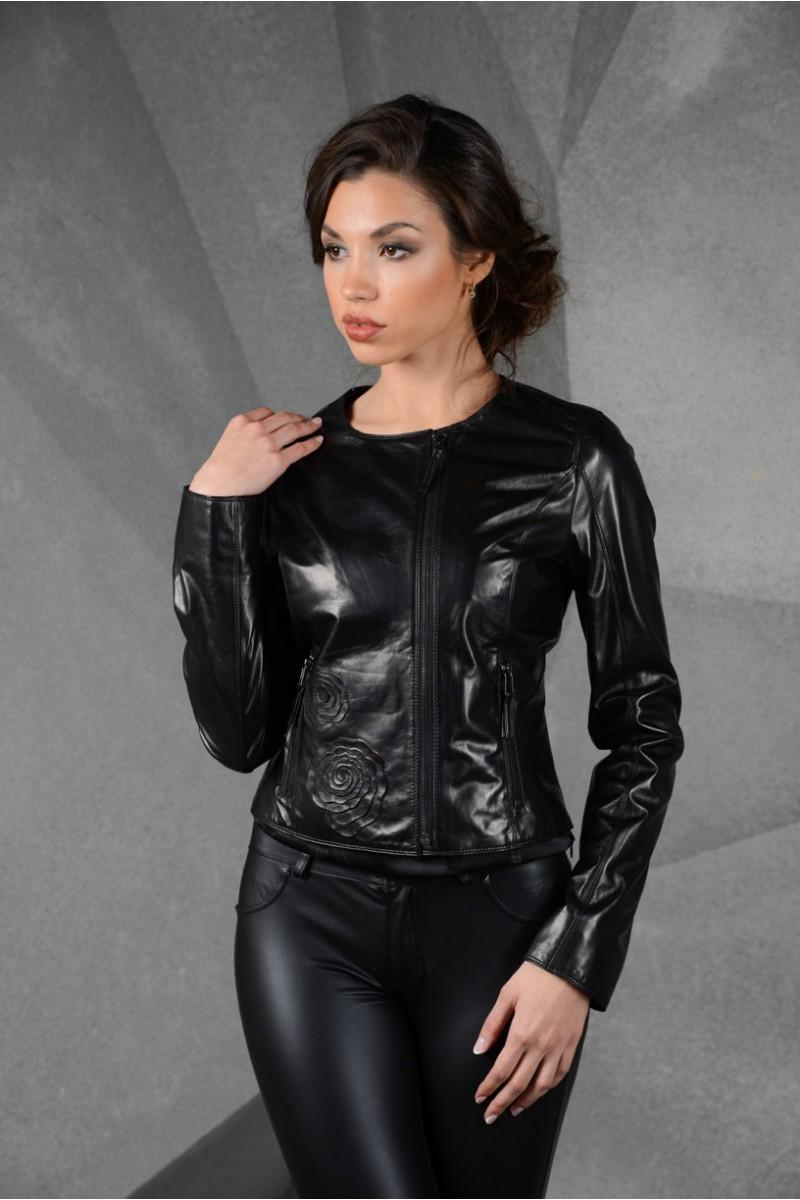 Кожаная модная куртка черного цвета
