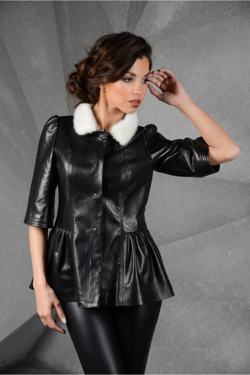 Стильная кожаная женская куртка с норкой