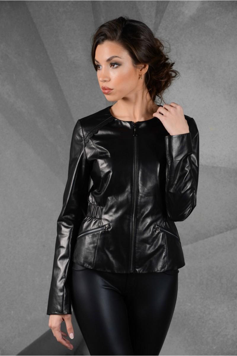Кожаная элегантная женская куртка