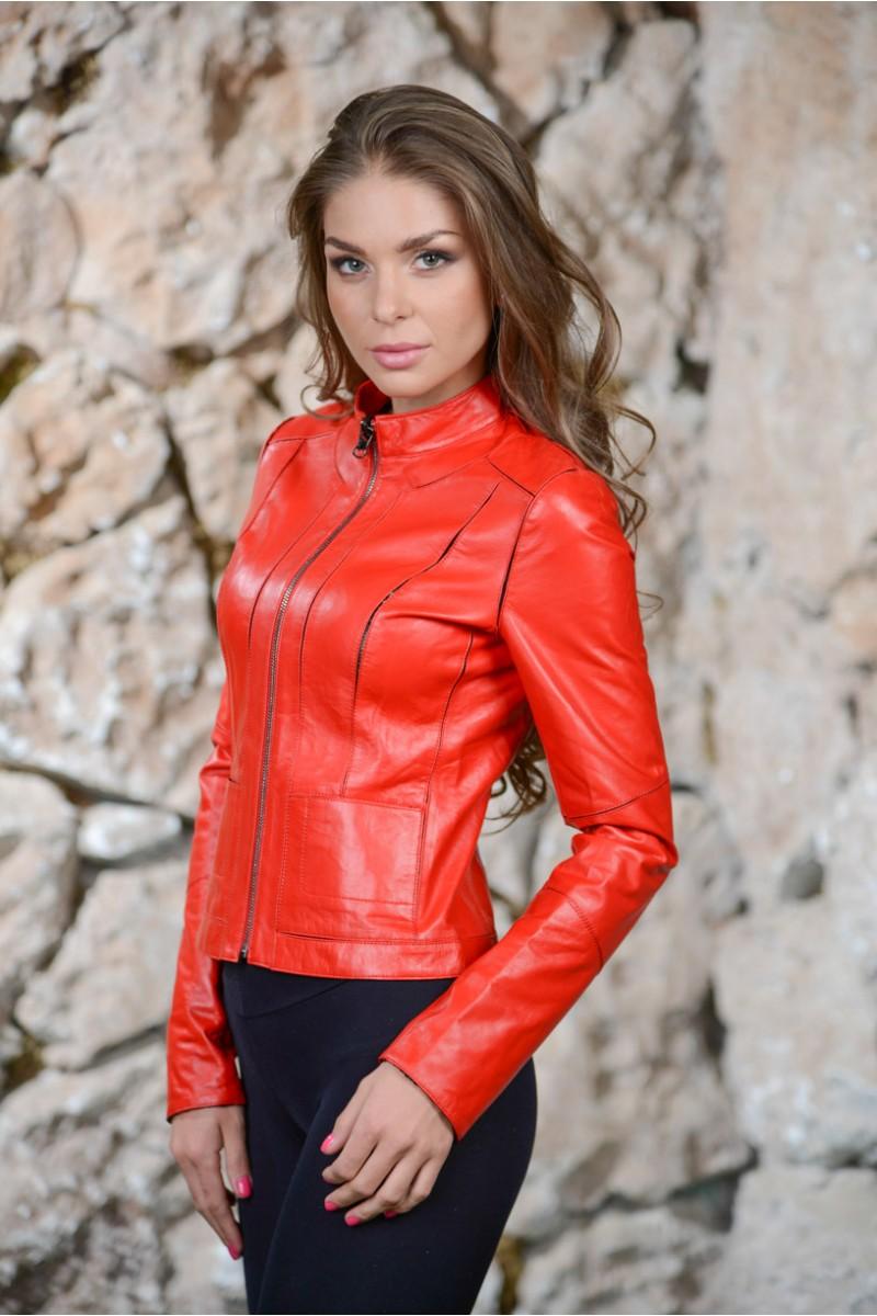 Красная куртка женская. Натуральная кожа