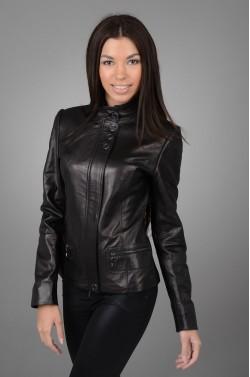 Стильная женская кожаная куртка
