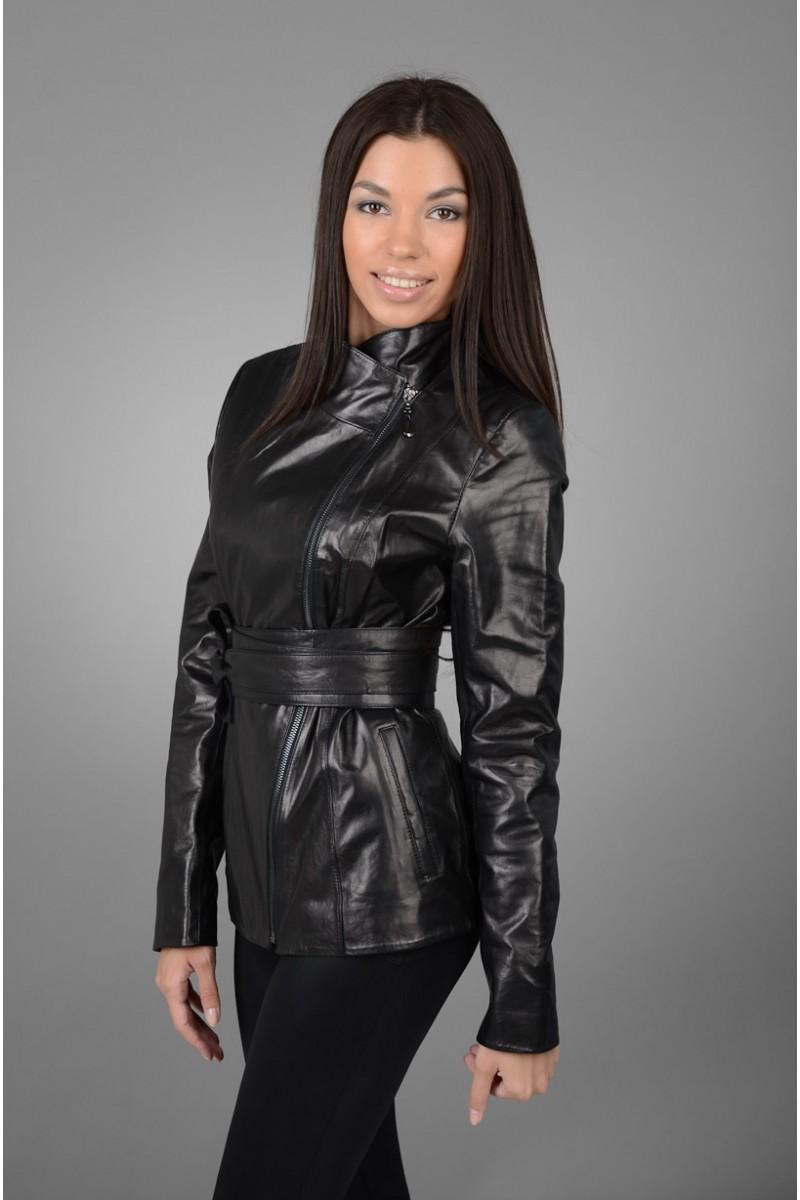 Модная кожаная куртка