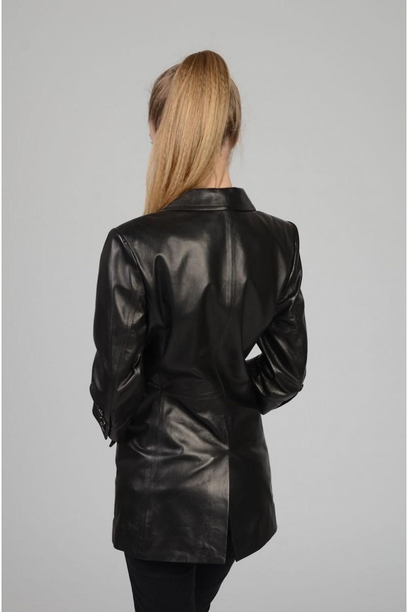 Стильный кожаный пиджак