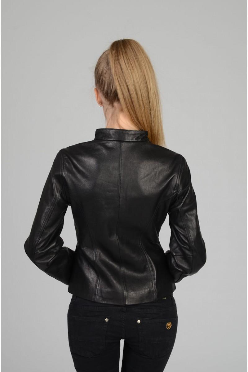 Стильная кожаная куртка женская