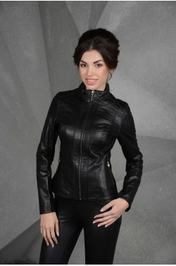 Женская кожаная черная куртка