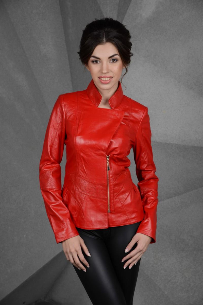 Женская красная куртка кожаная