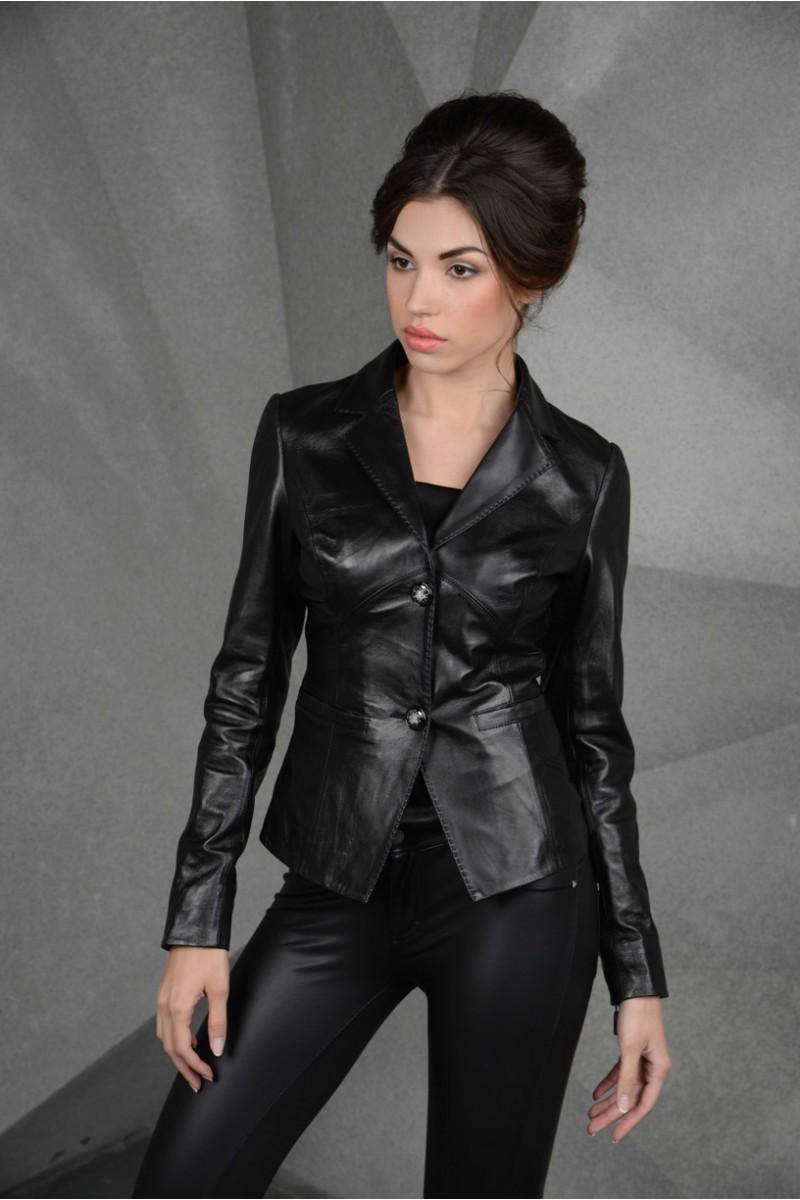 Кожаная женская куртка-пиджак. Черный цвет