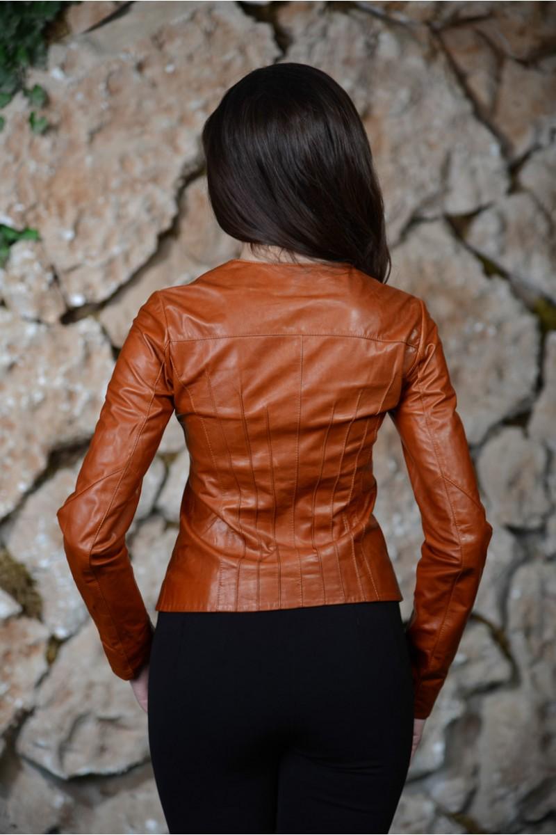 Кожаная светло-коричневая куртка