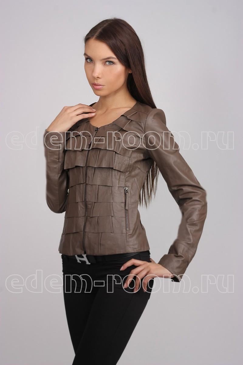 Женская весенняя кожаная куртка
