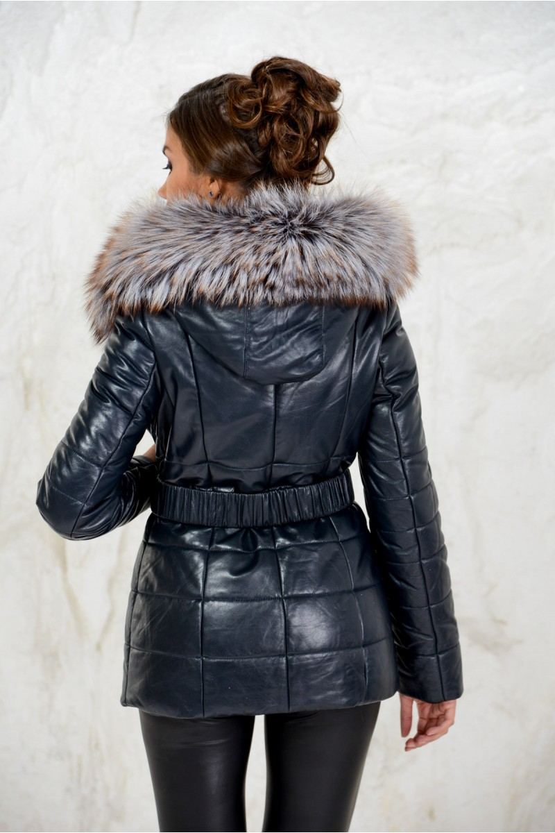 Модный пуховик из кожи женский с поясом