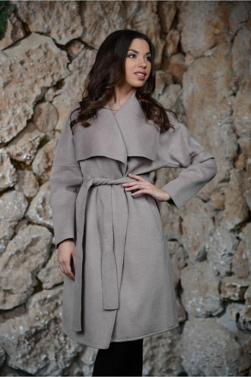 Светло - серое кашемировое пальто MaxMara.