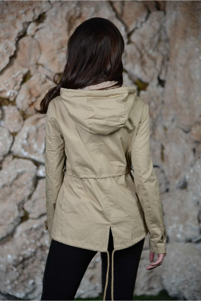 Светло -серая куртка