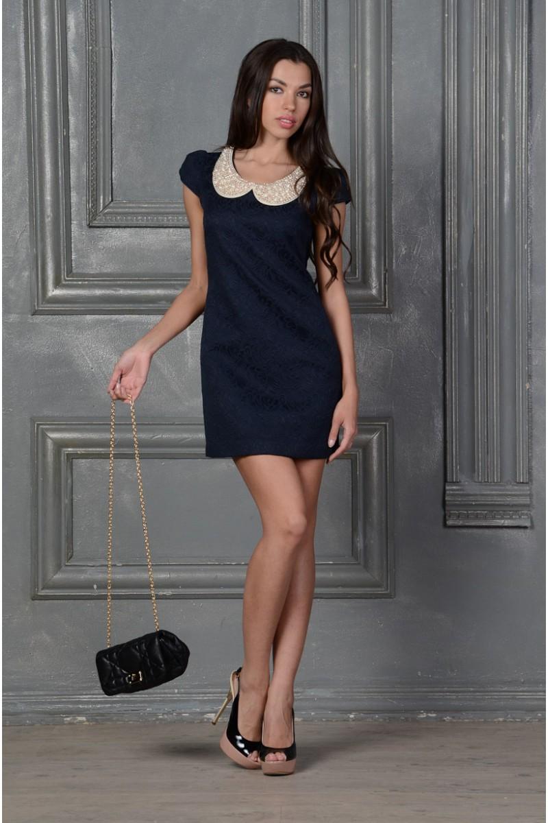 Синее платье с воротником