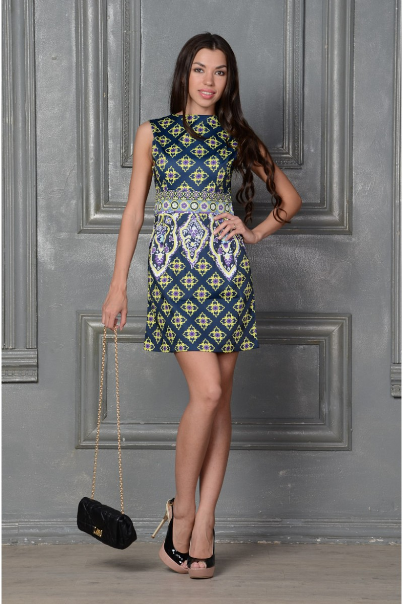 Стильное платье из шёлка