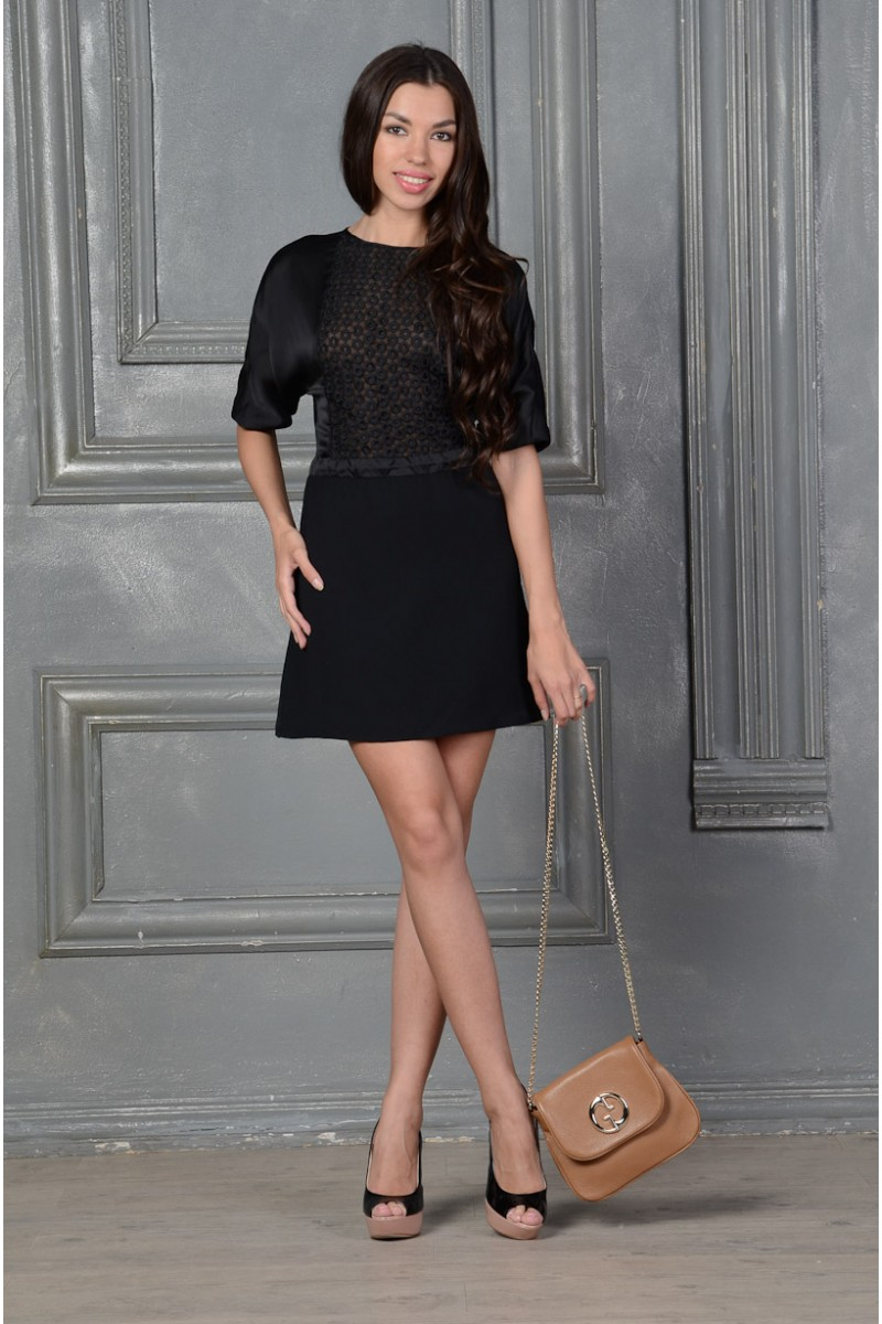 Стильное чёрное платье бэби-долл