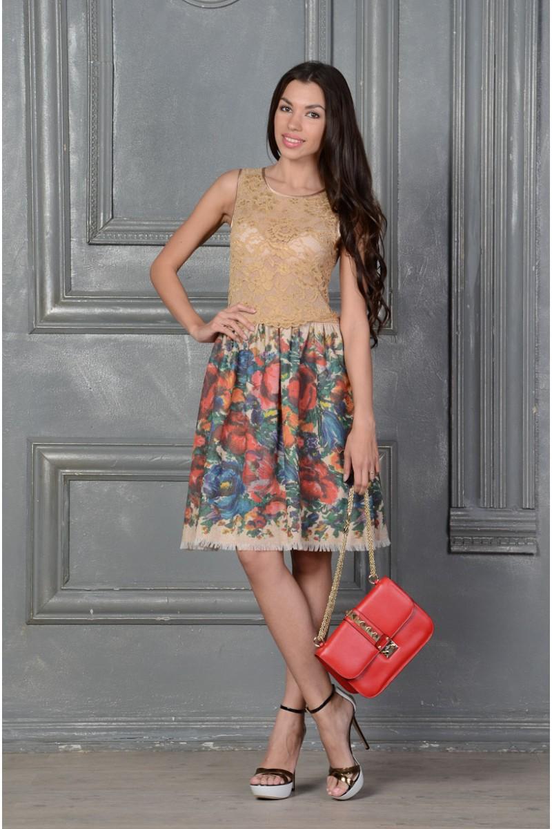 Летнее бежевое платье