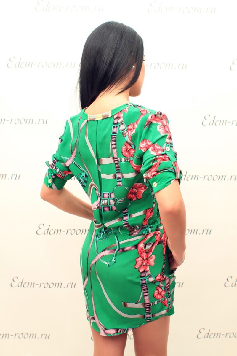 Ярко-зелёное платье