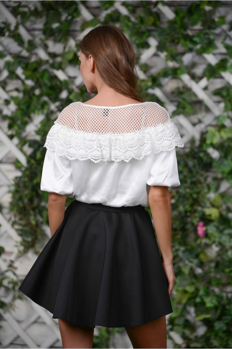 Стильное платье с пышным топом