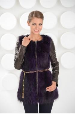 Стильная зимняя кожаная куртка с мехом енота.Новая коллекция