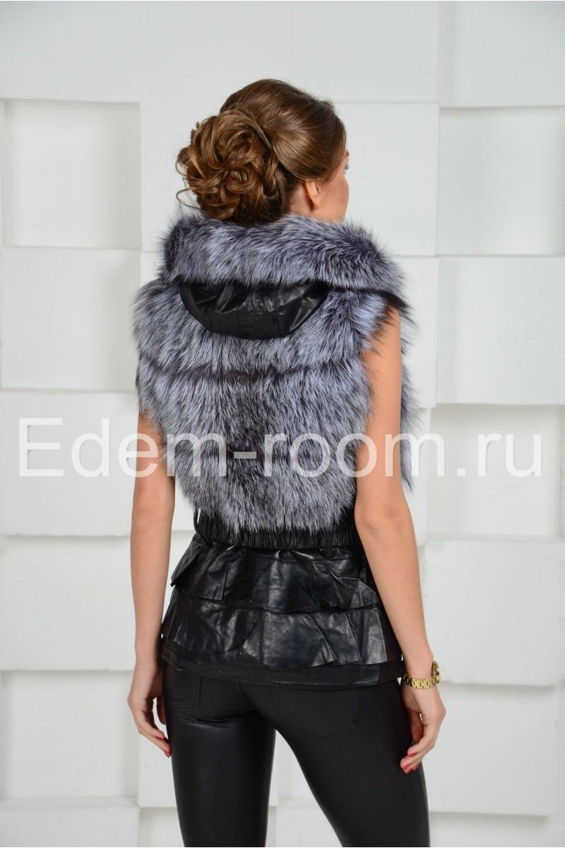 Модная кожаная жилетка с мехом чернобурки